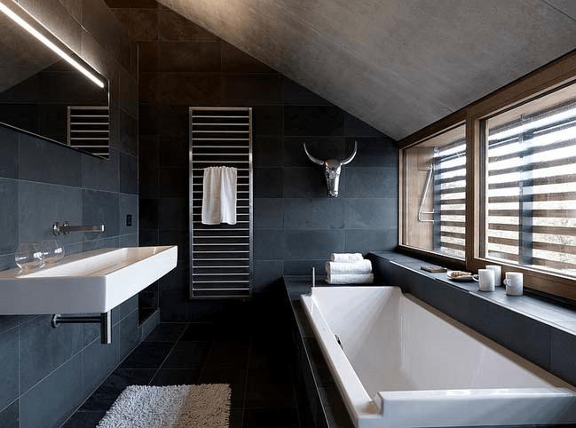 15 идей для черной ванной комнаты_vertaki_7
