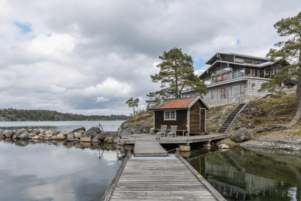 Уютный дом на острове в Швеции_1