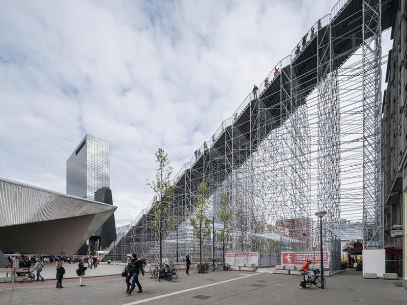 Гигантская лестница в Роттердаме
