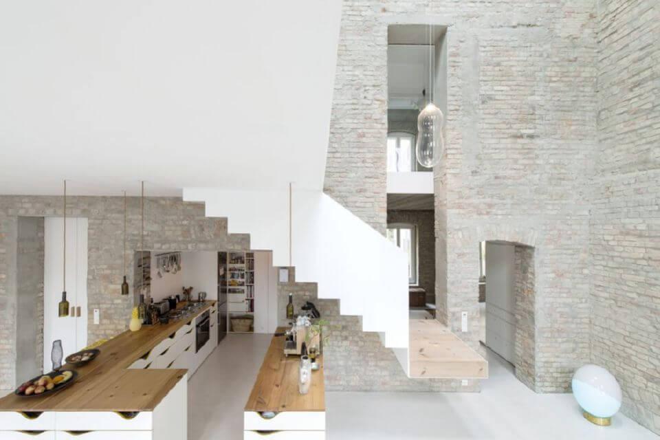 Превращение старейшего здания наследия в современный дом