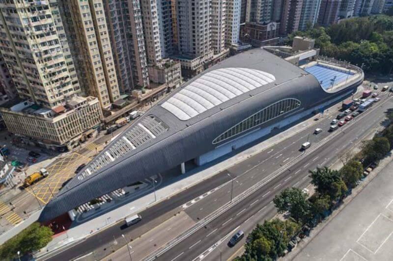 Футуристический бассейн в Гонконге