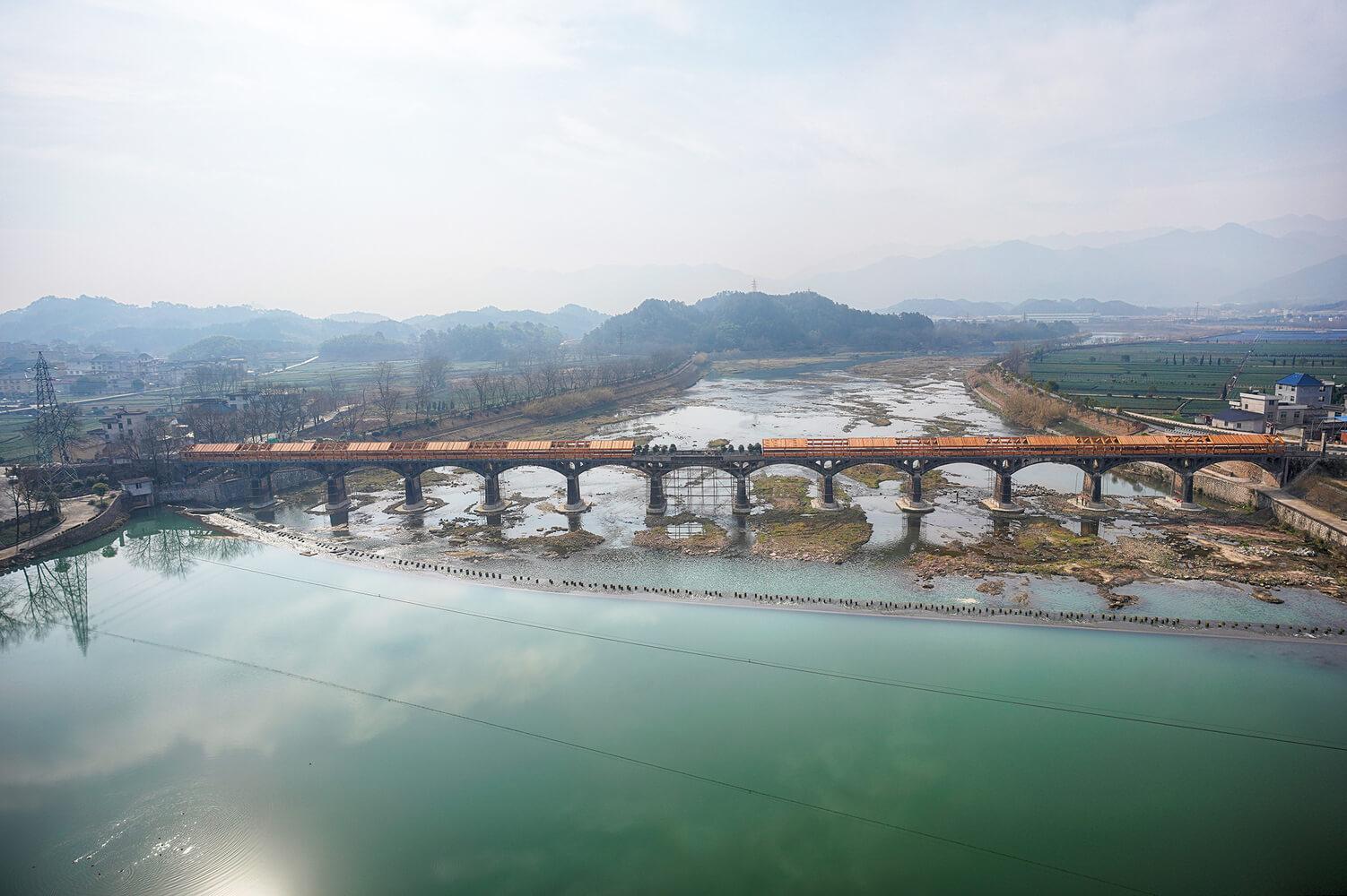 Заброшенный виадук в Китае
